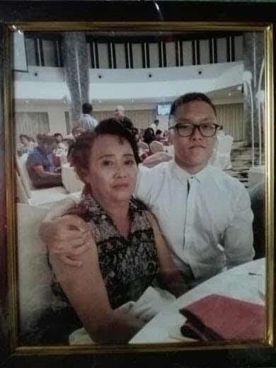 我和我一生中最重要的人,我的母親。